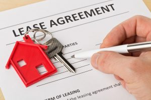 month to month lease vs. fixed-term lease
